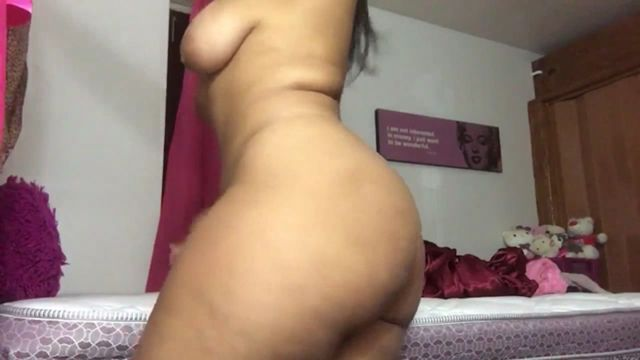 Lovely girl naked dancing on webcam - סרטי סקס