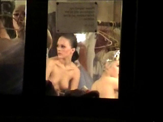 Spying Girls – Nude Ballet Backstage Spy Cam - סרטי סקס